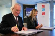 Marie-Christine Saragosse, Présidente-directrice générale de France Médias Monde, et Jean-Luc Hees, Président-directeur général de Radio France © Sébastien Bonijol