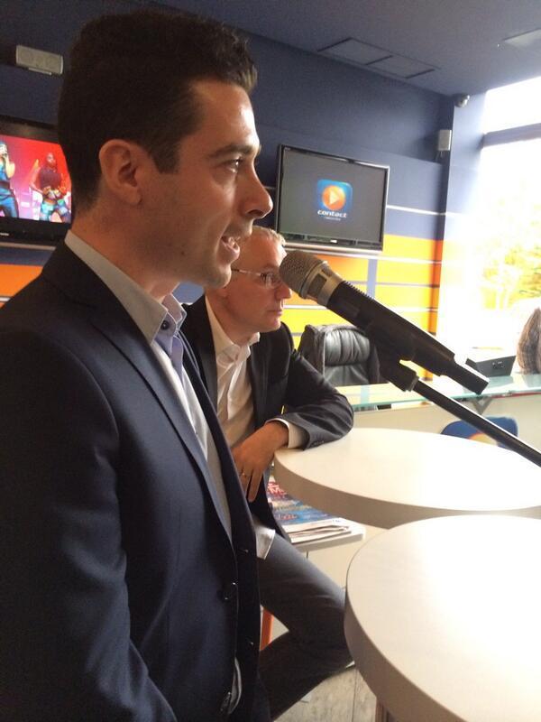 Passation de témoin à Contact FM. Nicolas Pavageau succéde à Jean Vandecasteele après 33 ans à la tête de la radio