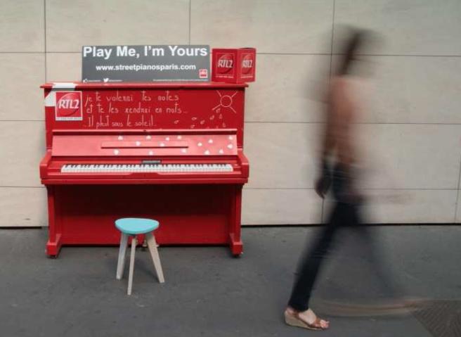 Un piano devant RTL2