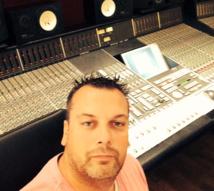 En France, David Tartar développe avec succès les productions Reelworld