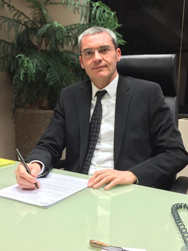 Gilles Bastard. Il a lancé sa première SARL en 1989. 25 ans plus tard, il s'offre une filiale de TF1.