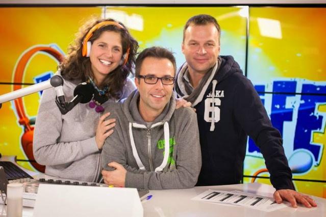 Pour la bonne cause, Sébastien Nollevaux, Sara De Paduwa et Raphaël Scaini sont enfermés dans un studio de verre pendant 6 jours et 6 nuits © RTBF