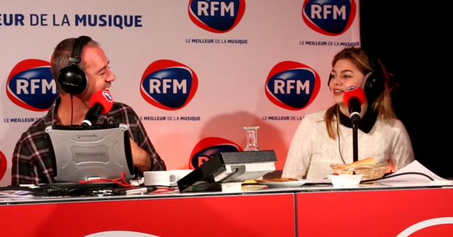"""Bruno Roblès et Louane dans """"Le Meilleur des Réveils"""" © RFM"""