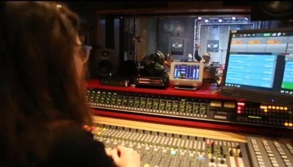EXCLU - La vidéo de la première matinale de Mouv