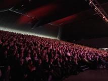 La grande salle du Parc Expo de Colmar était comble pour le gala des 35 ans de Dreyeckland © NC/RDL