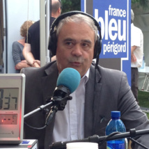 Claude Esclatine le patron des 44 stations locales de France Bleu