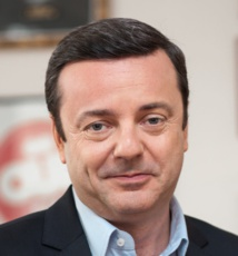 Emmanuel Rials est très fâché contre BFM Business, qui annonçait ce matin que Ouï FM était à vendre. Il dément fermement cette info.
