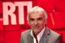 Chaque samedi, de 18h30 à 19h30, Pascal Praud et son équipe réunissent 748 000 auditeurs