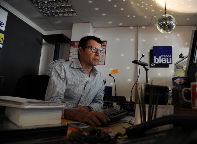 Pour Christian Denis-le-Sève, l'informatique ne doit pas l'emporter sur l'artistique. Un petit détail dans son bureau en témoigne assez clairement.