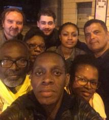 Sur son compte Twitter, Claudy Siar et des membres de son comité de soutien, devant les locaux de la radio, hier (le 12 mai)