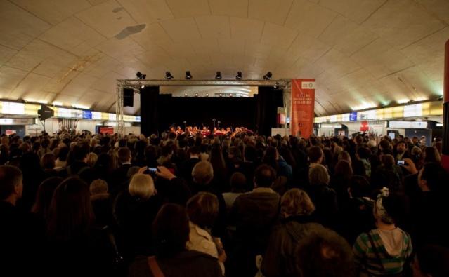 En mai dernier, plus de 400 voyageurs de la RATP avaient applaudi un concert à la station © Emmanuel Donny