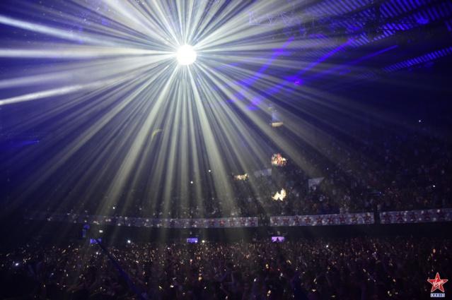 La veille, le Zénith de Lille était plein à craquer et littéralement bouillant pour la soirée ElectroShock#2 © Vision by AG