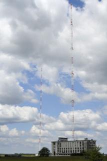 L'émetteur d'Allouis (Cher) diffuse les programmes de France Inter en grandes ondes sur la fréquence 162 kHz