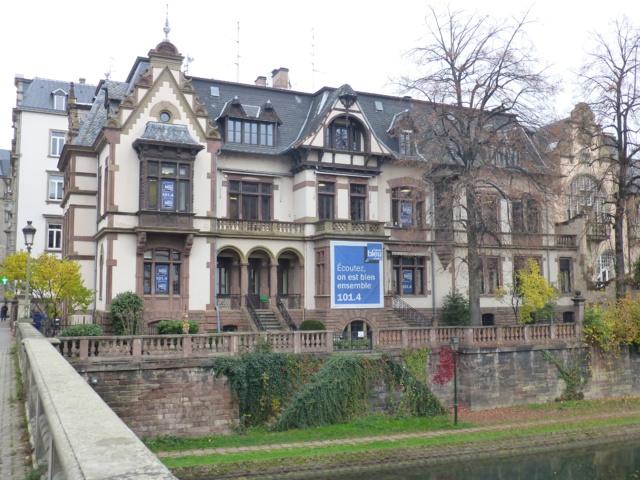 Les studios de France Bleu Elsass se trouvent au siège strasbourgeois de France Bleu. © Frédérik Stiefenhofer