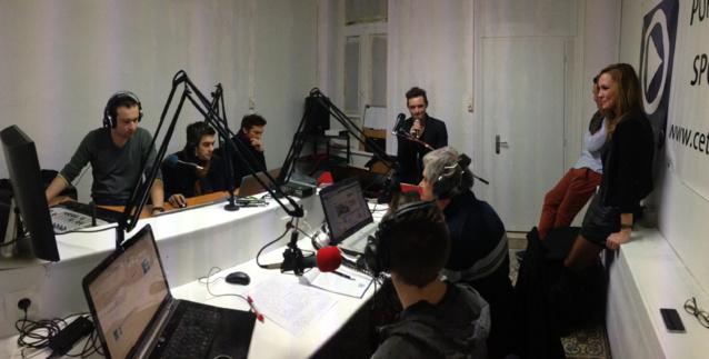 Cette webradio associative propose de nombreuses émissions en live