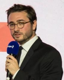 Diplômé de l'ISCPA, Emmanuel Duteil est aussi professeur à l'école de journalisme de Sciences Po