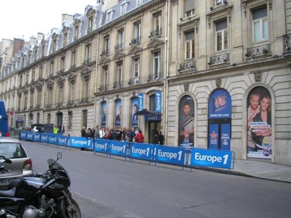 La devanture du 26 bis rue François 1er en 2011 (source : SchooP)