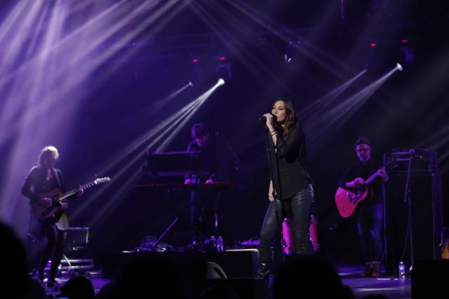 """La chanteuse Zazie a cloturé ce Podium Europe 1 en interprétant ses derniers titres et son tube """"Je suis un homme"""" P.Laurent / Capa Pictures / Europe 1"""