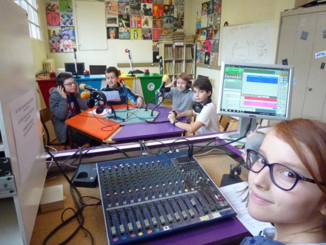 Morgane (premier plan), puis de gauche à droite : Gabriel, Niels, Yannis, Pierre © Brice Vidal