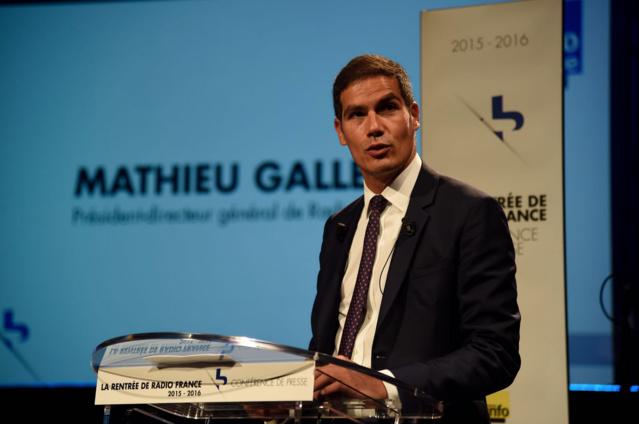 Aujourd'hui mercredi, Mathieu Gallet, Président-directeur général de Radio France, signe le COM 2015-2019