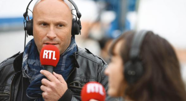 Stéphane Carpentier avec Marina Giraudeau ont la tâche de réveiller les auditeurs © AbacaPress
