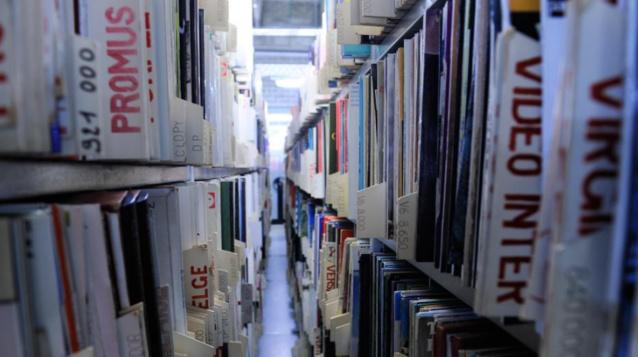 Tous les vinyles proposés à la vente seront exposés par lots les samedi 18 juin de 11h à 18h et dimanche 19 juin de 11h à 12h, avant l'ouverture de la vente © Christophe Abramowitz