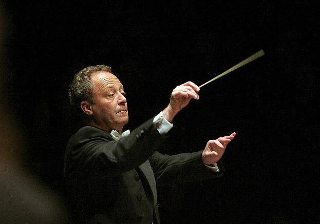 Emmanuel Krivine à la tête de l'Orchestre National de France © Philippe Hurlin