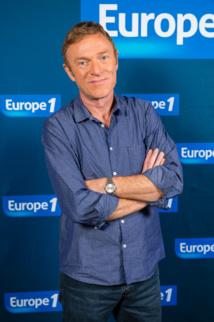 Christophe Hondelatte sera sur Europe 1 à la rentrée © Hugo Mathy Capa Pictures