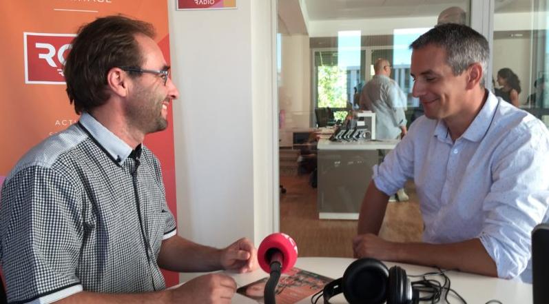 Journaliste, issu de l'ESJ, et jusque là également enseignant à l'Université d'Auvergne, Stéphane Longin (à droite) remplace Philippe Lansac (à gauche) @ RCF Lyon