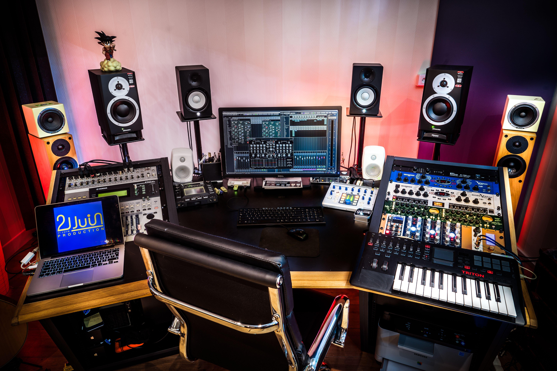 Un des trois studios de 21 Juin Production à Paris