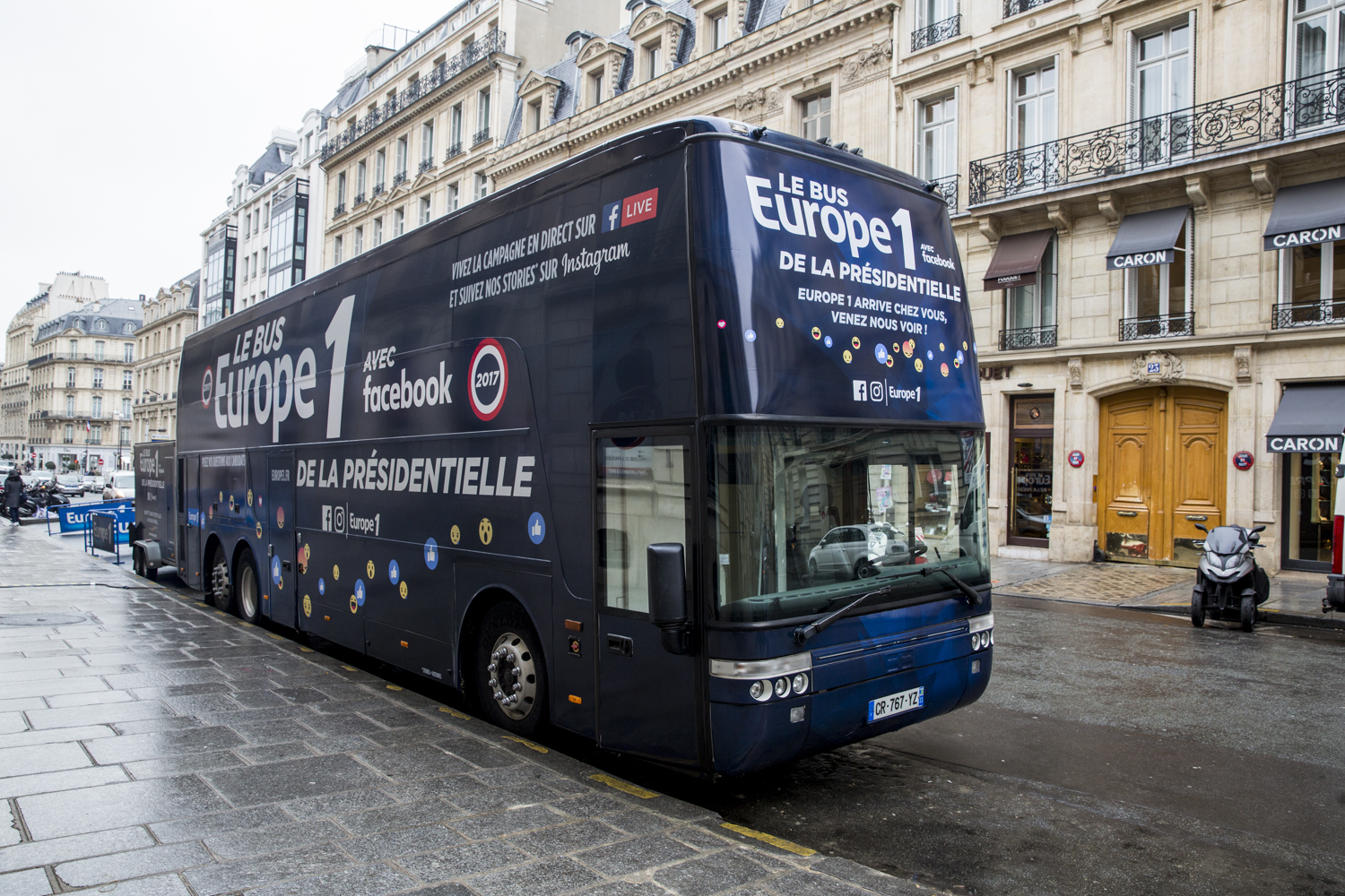 Le Bus Europe 1 sillonne la France