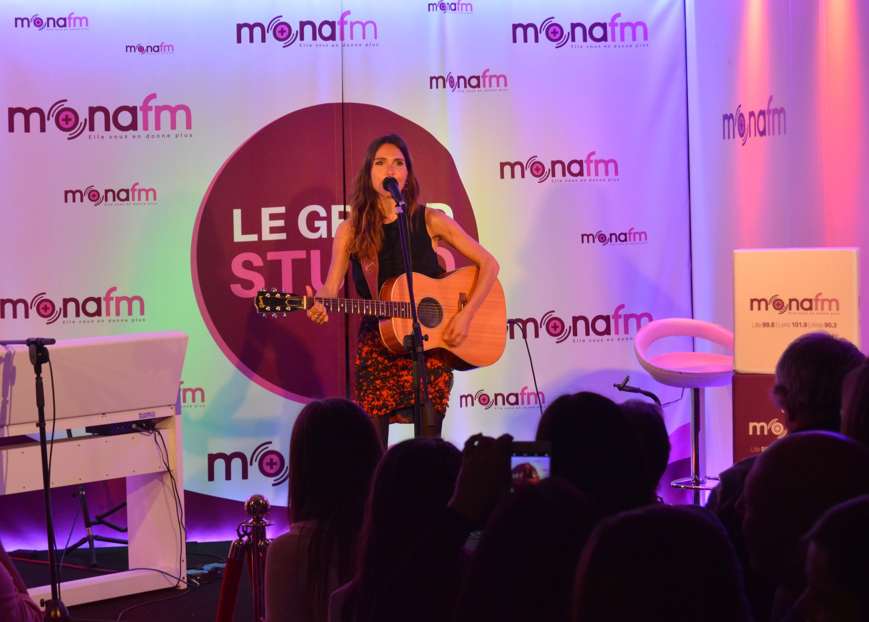 3 mai 2017, Joyce Jonathan dans le Grand Studio. © Mona FM