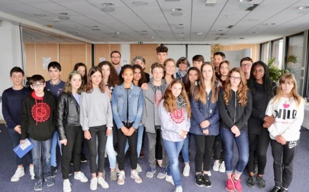 Les 21 élèves de 4ème du collège Jeanne d'Albret de Pau © Nilton Almeida / CSA