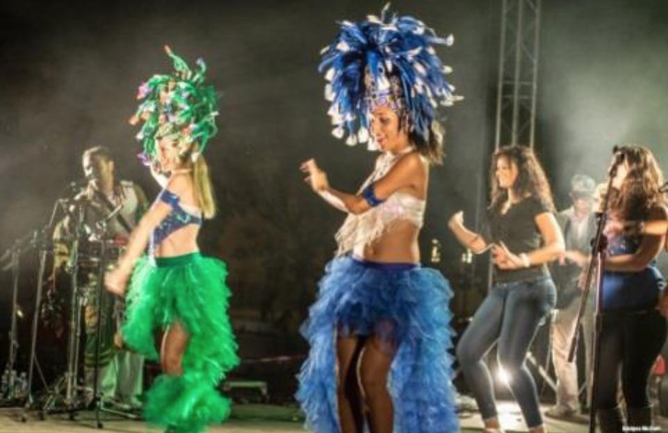 Parmi les (très) nombreux rendez-vous, un concert de samba brésilienne venue directement de Rio avec 12 musiciens, ce 2 juillet...