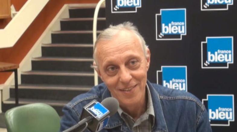 """Cet été aussi, """"La France Mystérieuse"""" est racontée par Tom Novembre... Une série radiophonique France Bleu qui évoque les apparitions, disparitions et autres événements inexpliqués"""