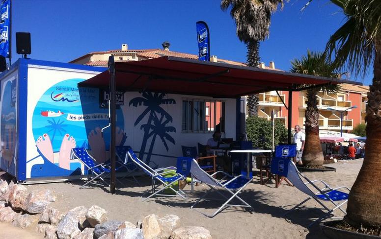 Cet été, France Bleu Roussillon a installé son studio sur la plage © Radio France / Frédéric Liénard