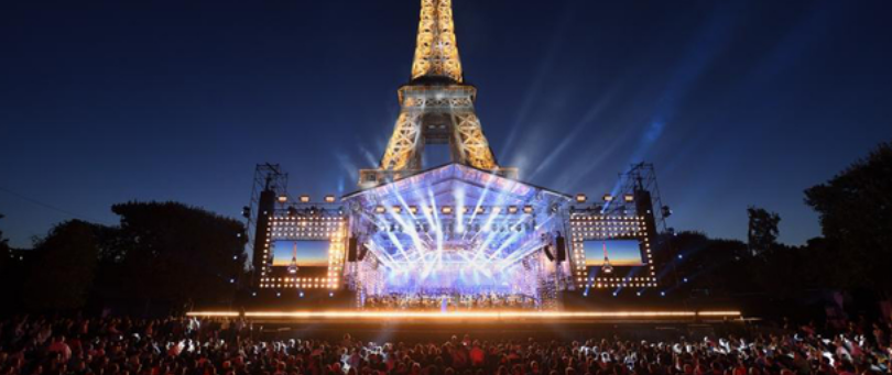 Sous la Tour Eiffel, le Concert de Paris © Radio France / Christophe Abramowitz
