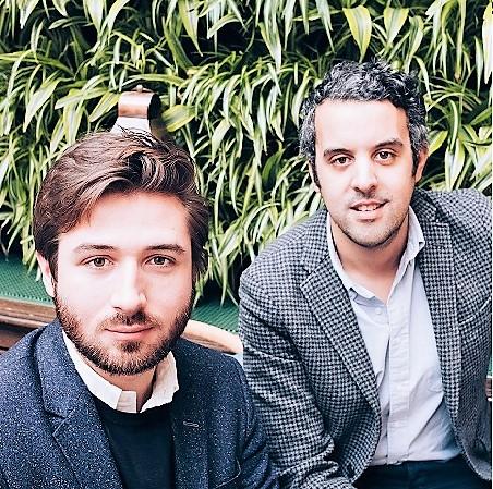 Arthur Larrey et Kamel El Hadef et Arthur Larrey accompagnent les agences et les annonceurs dans la conception de campagnes audio digitales sur mobiles