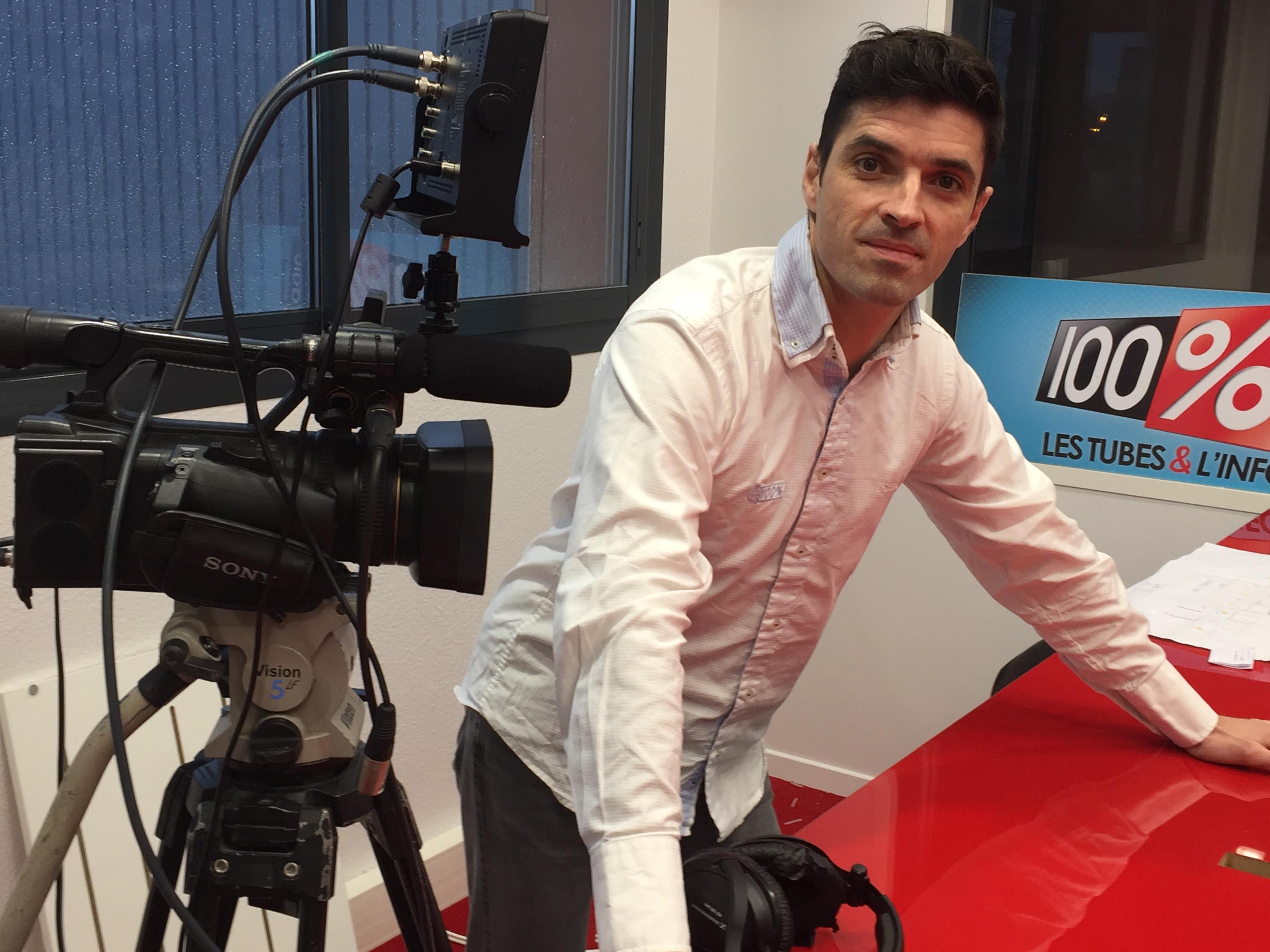 Brice Vidal est journaliste à 100%, il est aussi un collaborateur régulier à La Lettre Pro de la Radio