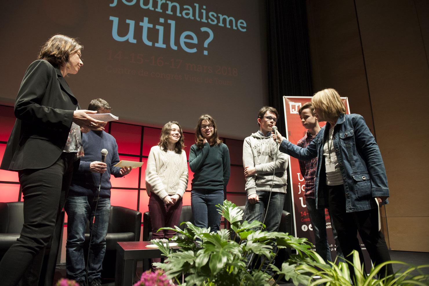 """Prix Région Centre-Val de Loire : """"Le Presse Papier"""" et Phil FM, Collège Philippe de Commynes © Les Assises"""