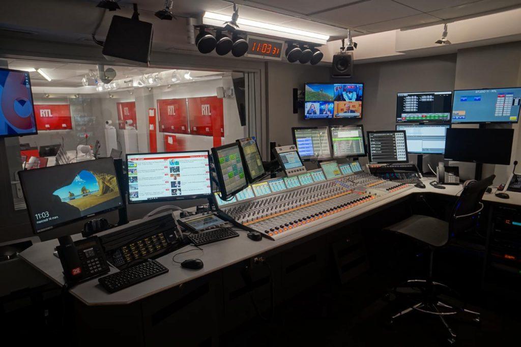 StudioTalk est un logiciel tout-en-un qui permet la production d'émissions de télévision, la création et le contrôle de l'habillage du studio, la gestion du contenu et la diffusion et la distribution à 360° (TV, radio et web).