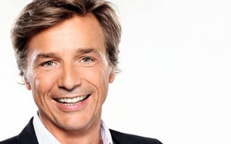 Guy Lagache arrive à Radio France