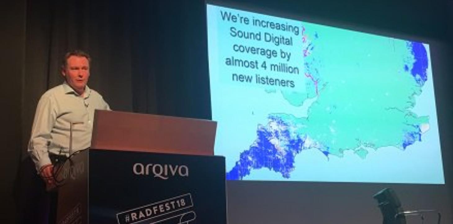 teve Holebrook de Arqiva annonce que 4 millions d'auditeurs supplémentaires seront couverts par le multiplex Sound Digital (Arqiva)