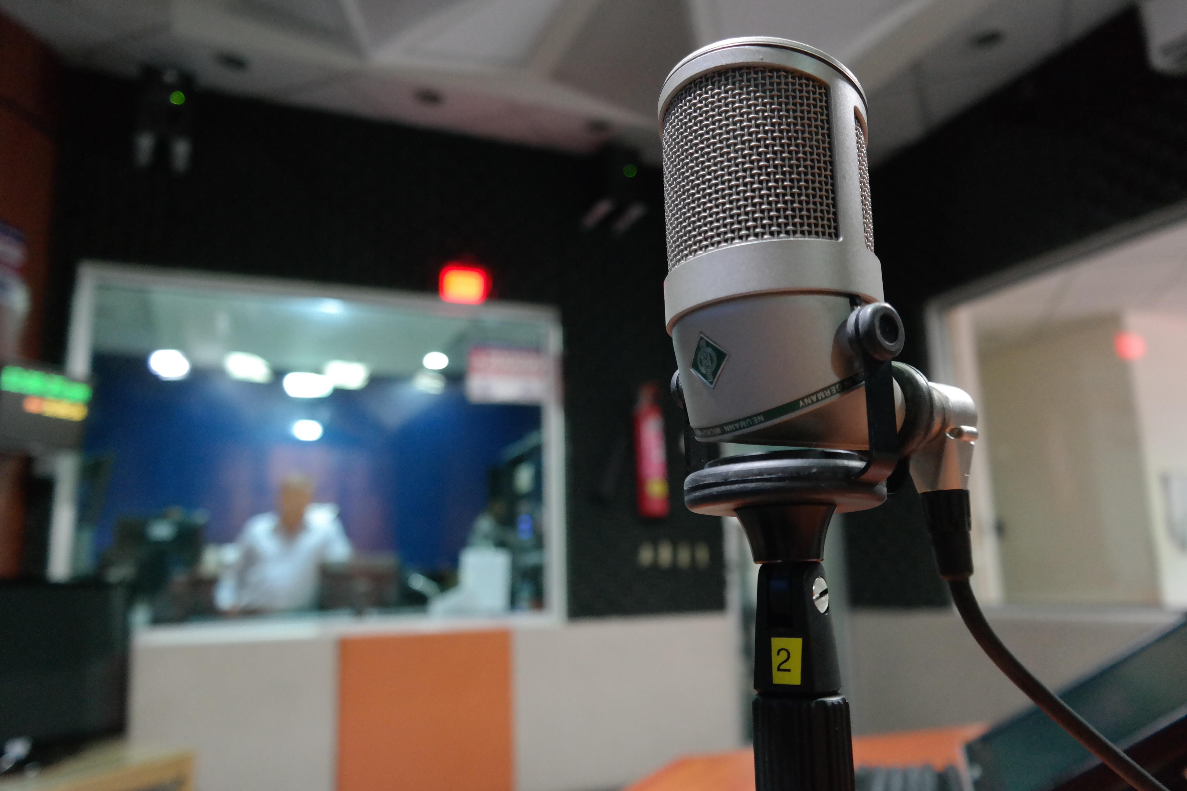 Monsieur Radio : le mercato dans les studios