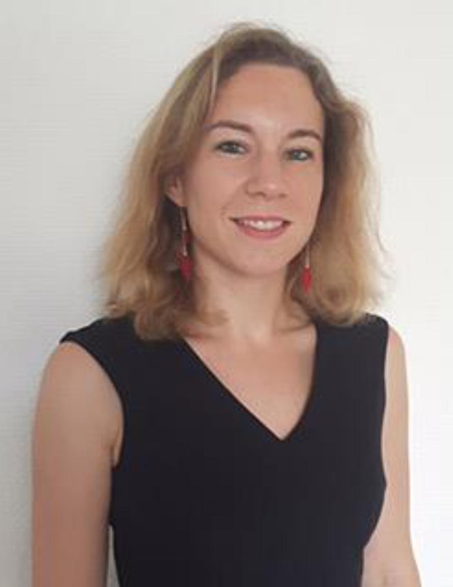 Marie Message, 36 ans, est diplômée de Sciences Po Paris (2004) et ancienne élève de l'Ecole nationale d'administration (Promotion Aristide Briand 2006-2008).