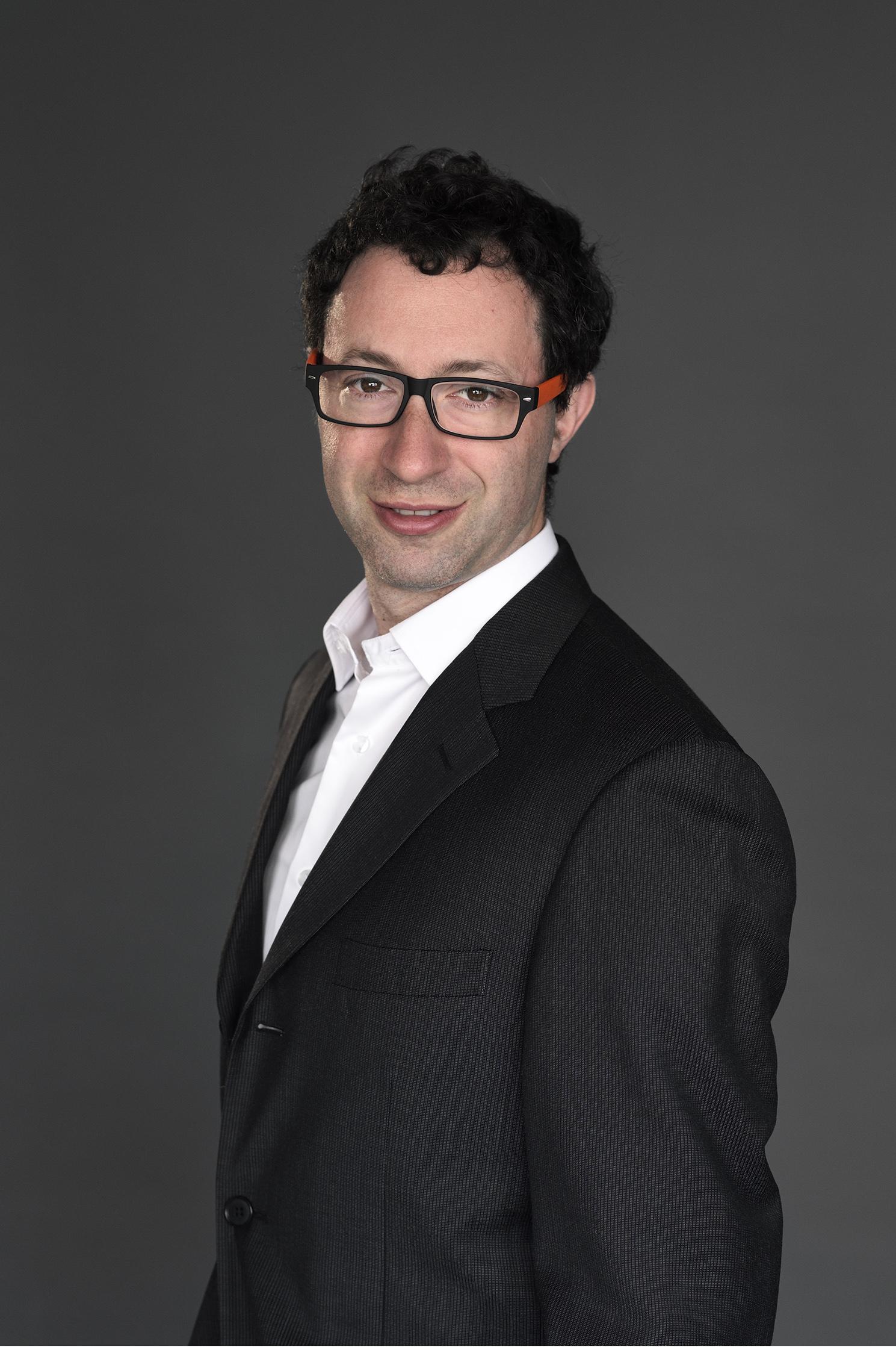 Laurent Frisch dirige le numérique de Radio France depuis 2015, après un parcours chez Orange et France Télévisions. / Photo Radio France / Christophe Abramowitch