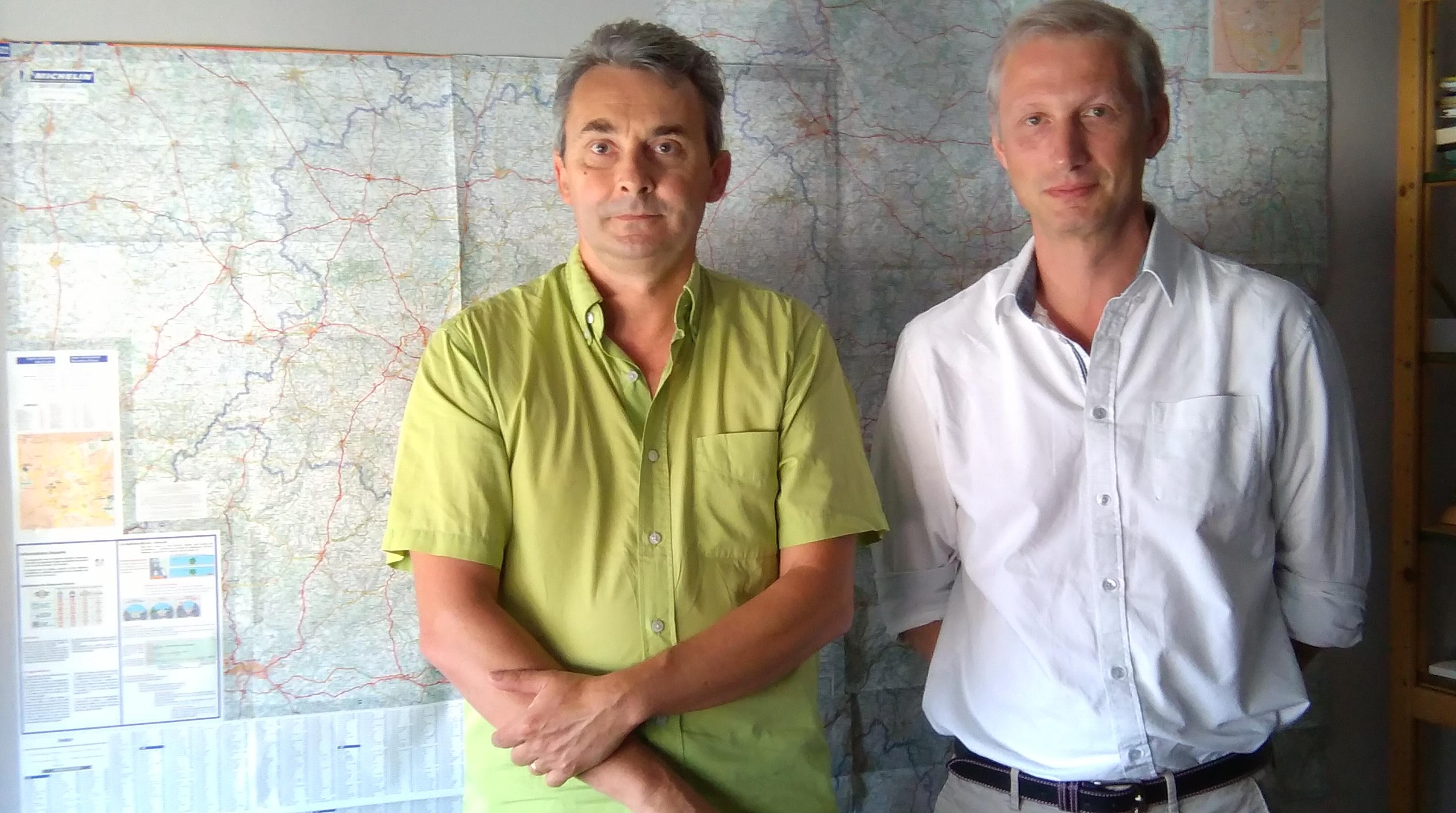 De gauche à droite, Jean-Jacques Bonaventure, attaché technique, et Pierre-José Chadaigne, secrétaire général du CTA de Clermont-Ferrand, ne chôment pas.