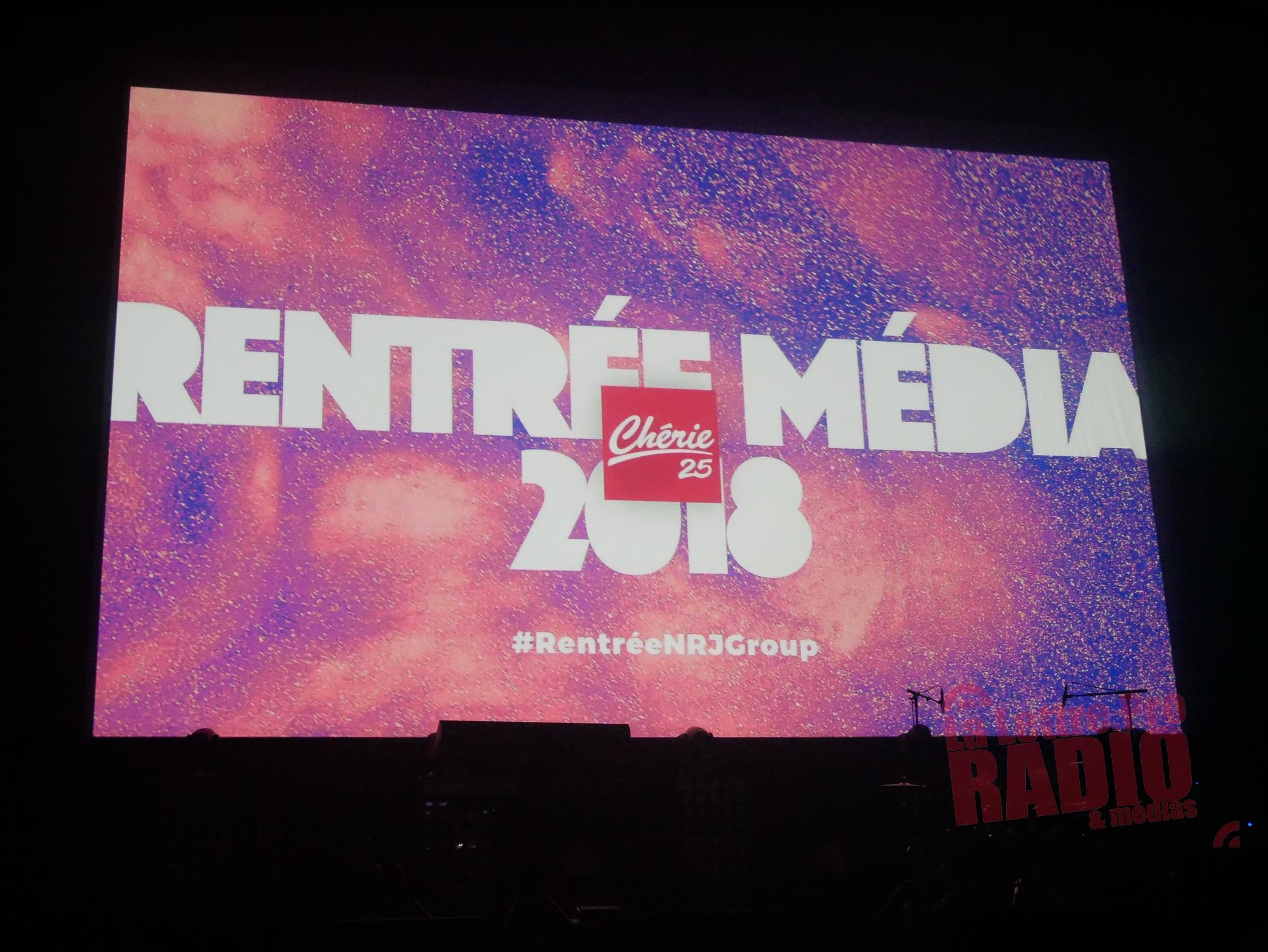 Grand écran pour diffuser de nombreux clips, sur la scène de l'Olympia / Photo François Quairel