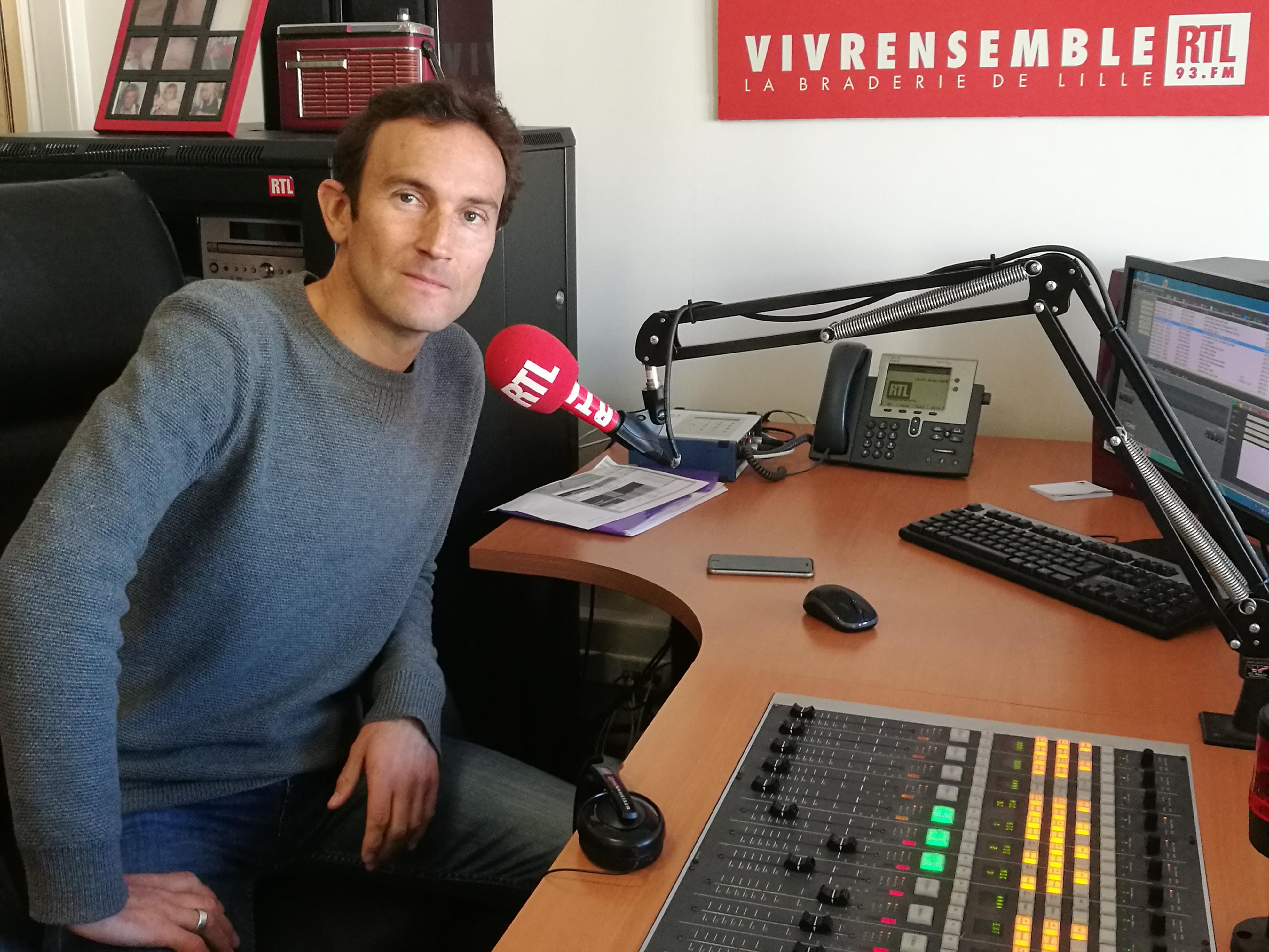 Le studio de RTL à Lille permet aux invités lillois d'être en direct dans les émissions nationales. © Olivier Malcurat – 3XL Médias