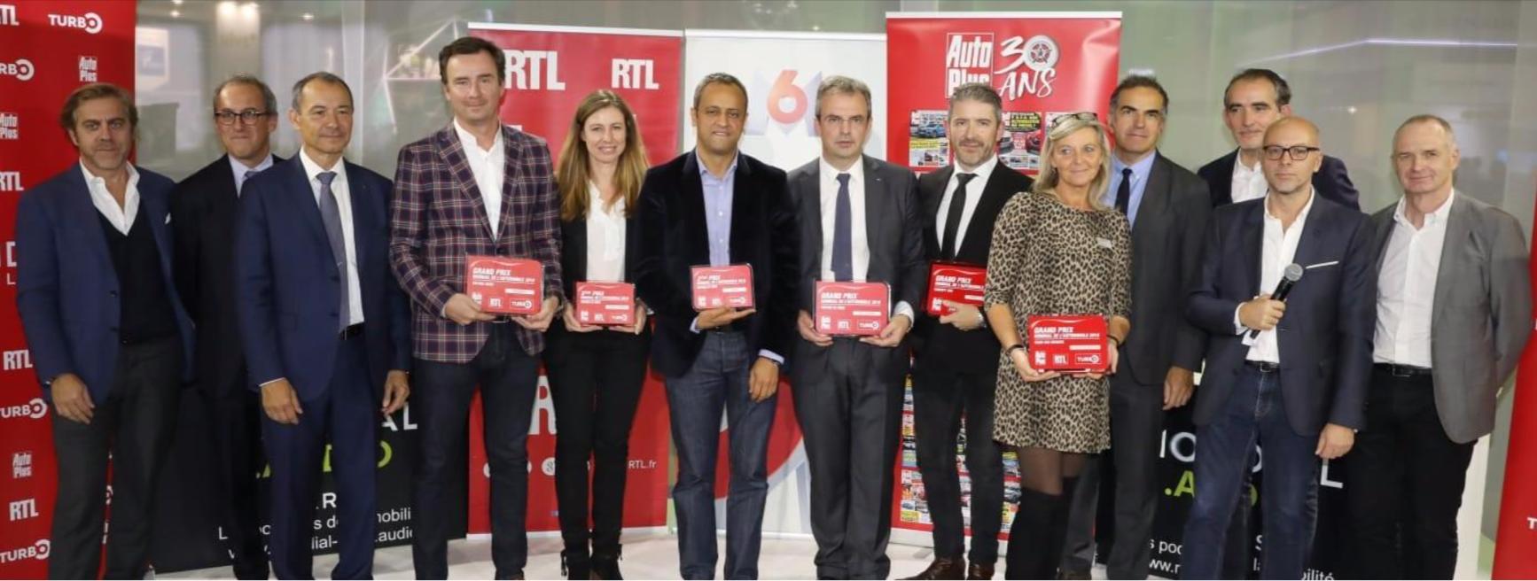 Les lauréats en compagnie des équipes de RTL, M6 et Autoplus.